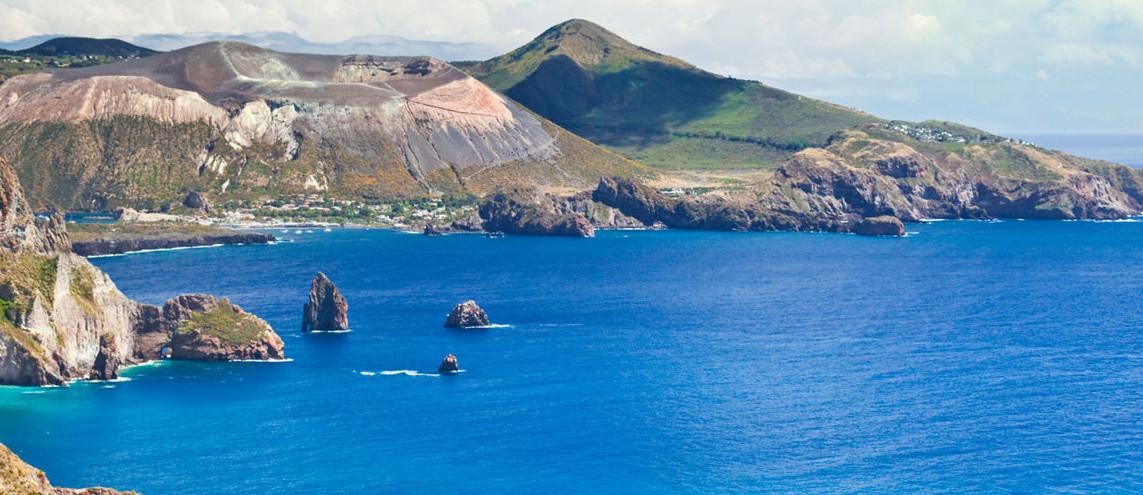 Wandern auf den Vulkaninseln im Tyrrenischen Meer Italien