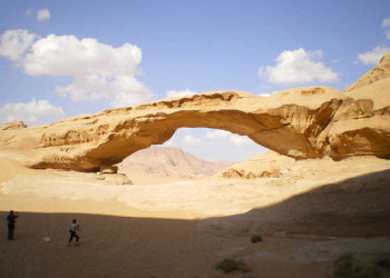 Felsbrücke im Wadi Rum