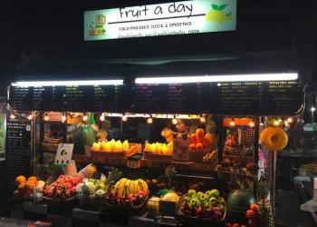 Saftstand auf dem Nachtmarkt