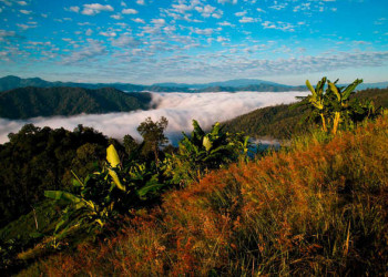 Wolkenmeer am Morgen nach der Lahu