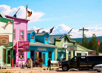 Farbenfrohes Dawson City