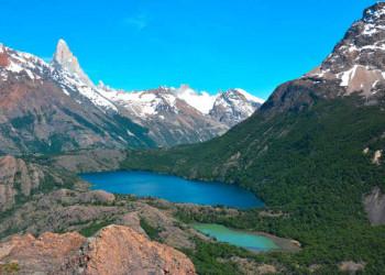 Blick auf den Fitz Roy und die Laguna Azul y Verde vom Loma del Diablo