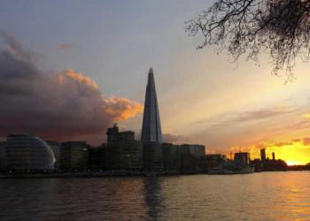 """Abendstimmung an der Themse mit Blick auf """"The Shard"""""""