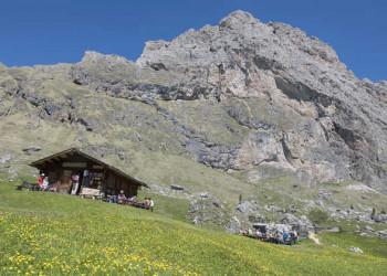 Rast an der Pierialonga Hütte 2.290 m – Grödnertal
