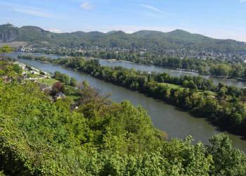 Blick vom Rolandsbogen auf das Siebengebirge