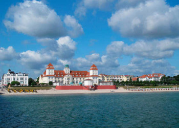 Ostseebad Binz mit Kurhaus