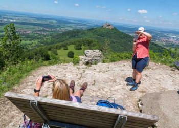 Am Aussichtspunkt Zeller Horn mit Hohenzollernblick