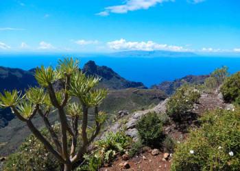 Blick auf die Nachbarinsel La Gomera