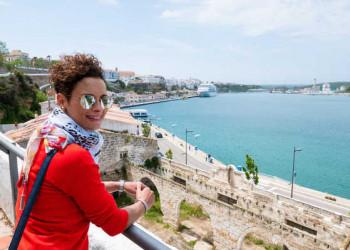 Blick auf den Hafen von Mahón