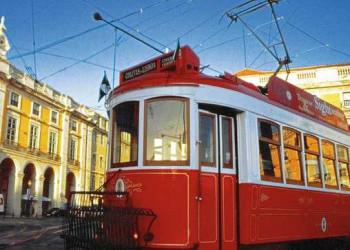 Berühmte Straßenbahn in Lissabon Nr. 28