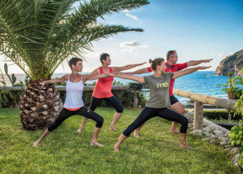 Yoga im Garten des Hotels Terme Providence