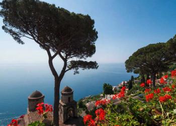 Traumblick von Ravello über die Amalfiküste