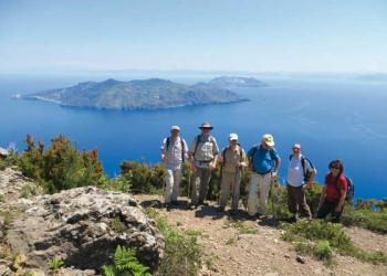 Blick vom Monte Fossa (Salina) nach Lipari und Vulcano