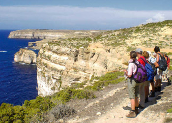 Wandergruppe auf Gozo