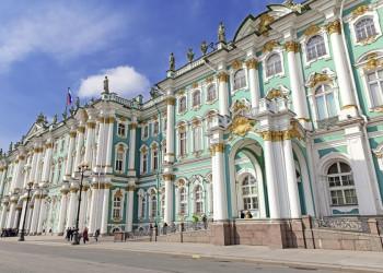 Barocke Pracht am Winterpalast in St. Petersburg