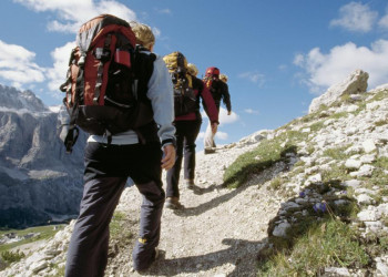 Trekkingschuhe geschnürt und auf ins Outdoor-Abenteuer