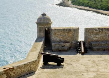 Die Festung El Morro an der Karibikküste bei Santiago de Cuba