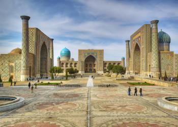 Zum Auftakt Samarkand. der Registanplatz