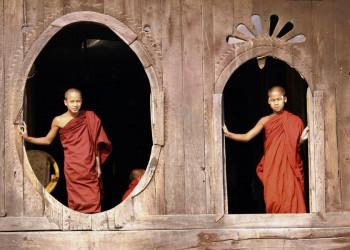 In Myanmar allgegenwärtig: buddhistische Mönche