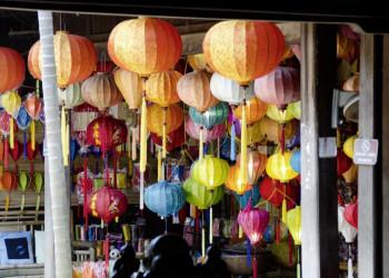 In der Altstadt von Hoi An empfängt uns eine Welt von bunten Lampions