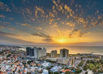 Tel Aviv im Abendlicht
