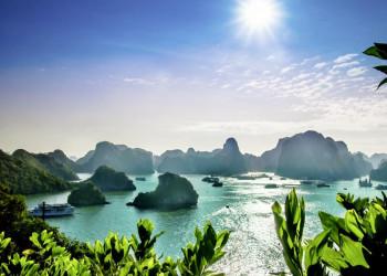 Dschunkenleben in der Halongbucht in Nordvietnam