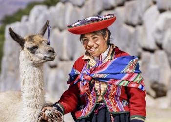 Vor der Inkamauer in Cuzco
