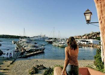 Blick auf den Hafen von Porto Cervo, Sardinien