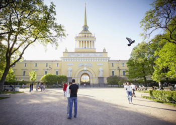 Ein Wahrzeichen von St. Petersburg - die Admiralität