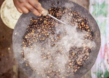 Eines der wichtigsten Rituale in Äthiopien - die Kaffeezermonie