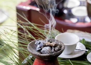 Weihrauch gehört zur Kaffeezeremonie in Äthiopien.