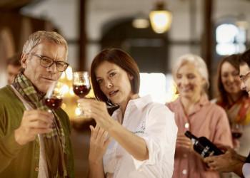 Auf zur Portweinprobe mit Ihrer Studiosus-Reiseleiterin in Lissabon!