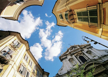 Auf der Piazza di Sant'Ignazio genießen wir das gute Wetter in Rom