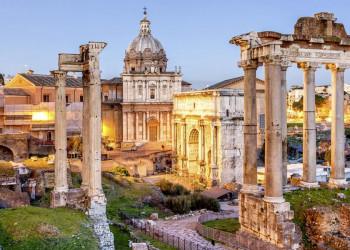 Das Forum Romanum am Abend
