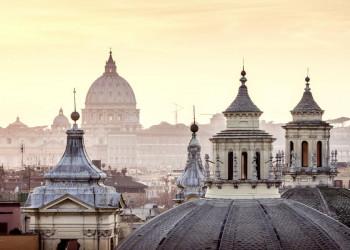 Der Petersdom ist in Rom allgegenwärtig