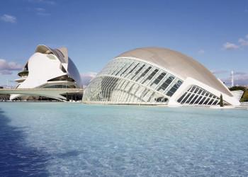 Als überdimensionales Auge konzipiert: das Kino, Planetarium und Kulturgebäude l'Hemisferic