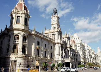 Das kunstvoll gestaltete Rathaus von Valencia