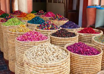 Die farbenfrohe Welt der Souks von Marrakesch
