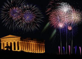 Silvesterfeuerwerk über der Akropolis in Athen