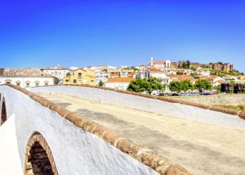 Das Städtchen Silves an der Algarve