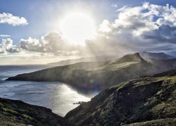 Felsige Meeresküste auf Madeira
