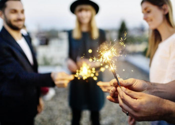 Silvester feiern mit Wunderkerzen