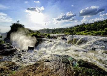 Tobendes Wasser an den Murchison Falls in Uganda