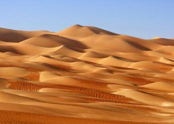 Dünen in den Wahiba Sands im Oman