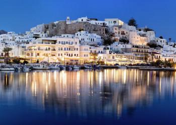 Abends ziehen wir durch die Gassen von Naxos-Stadt