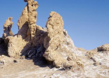Bizarre Felsformationen im Mondtal in der Nähe von San Pedro de Atacama