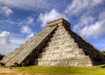 Die Pyramide des Kukulcan in Chichén Itzá in Yukatan, Mexiko