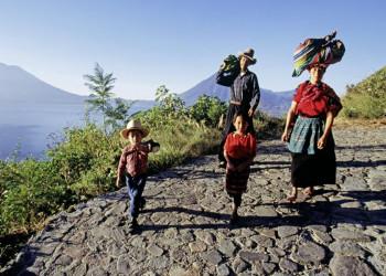 Eine Mayafamilie in Guatemala