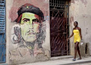 Che Guevara auf einer kubanischen Hausfassade in der Altstadt von Havanna