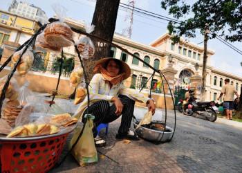 Straßenhändlerin in Saigon